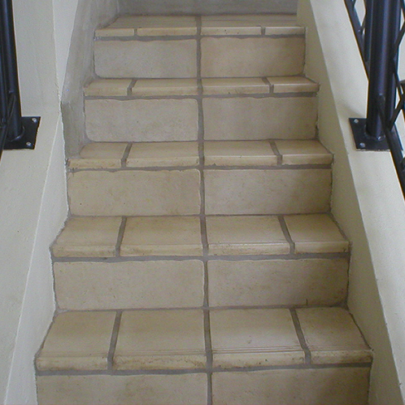 Traveno Staircase Tile
